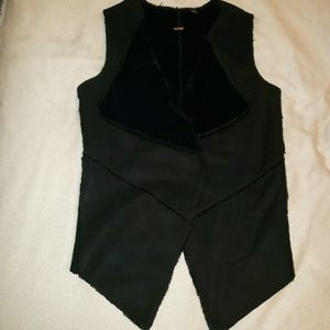 Guess Faux Leather and Fur Vest Size Small